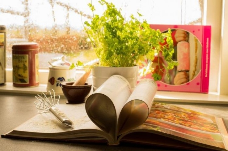 Δείπνο για την χρηματοδότηση της έκδοσης στο Ρεστοράν ΕΛΙΑ Βιβλίο μαγειρικής για ΑμεΑ
